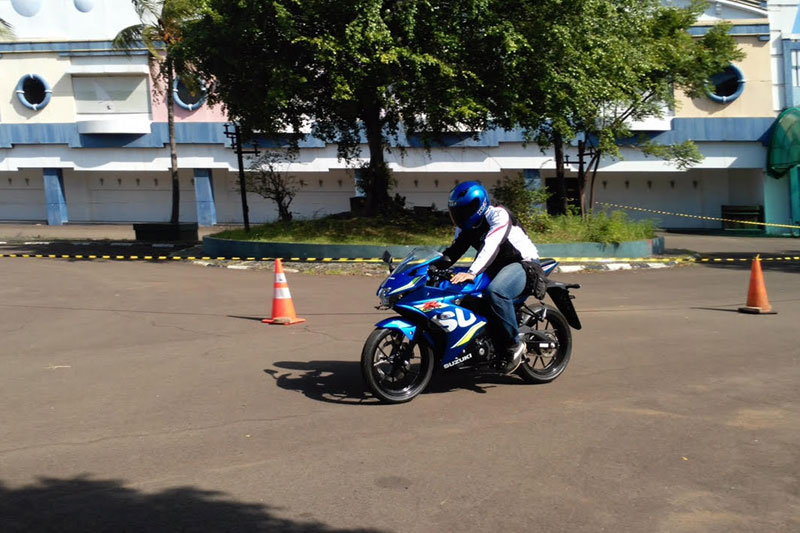 Test_ride_Suzuki_GSX_R-150_2